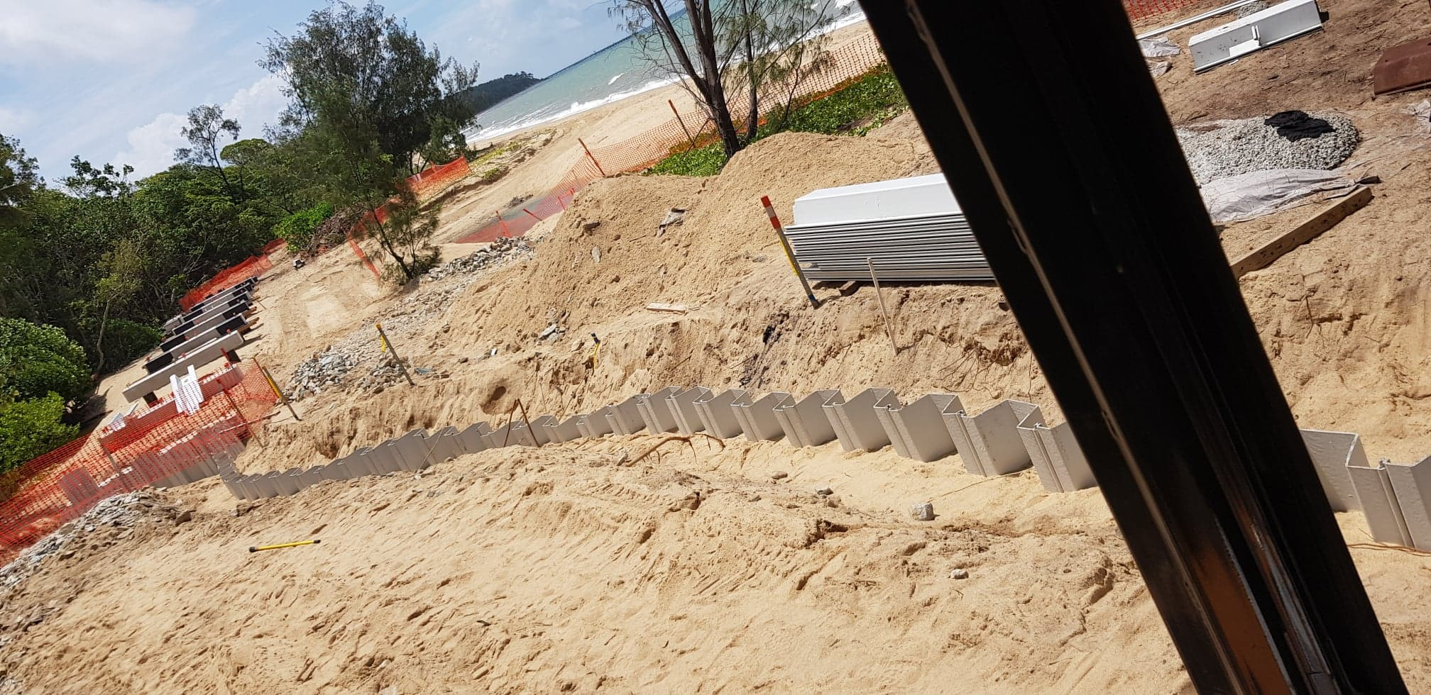 Cairns Regional Council. Clifton Beach Board Walk - install Vinyl Sheet Piles